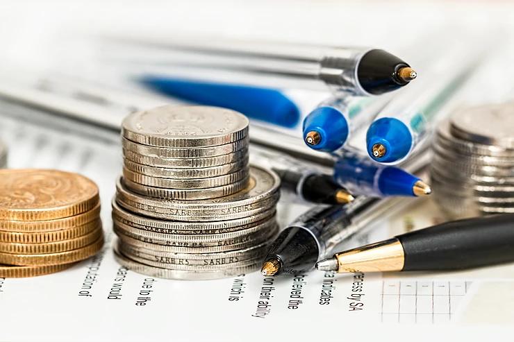 Pahami Risiko Tabungan Bank dan Memiliki Uang Tunai