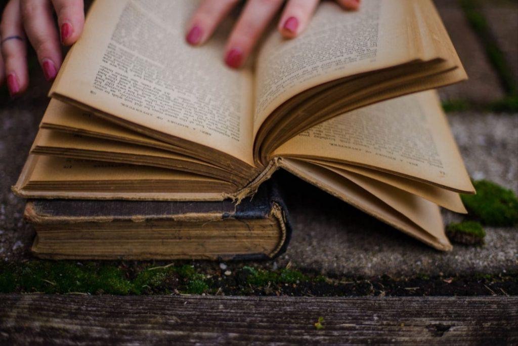 3 Buku yang Direkomendasikan untuk Investor Saham