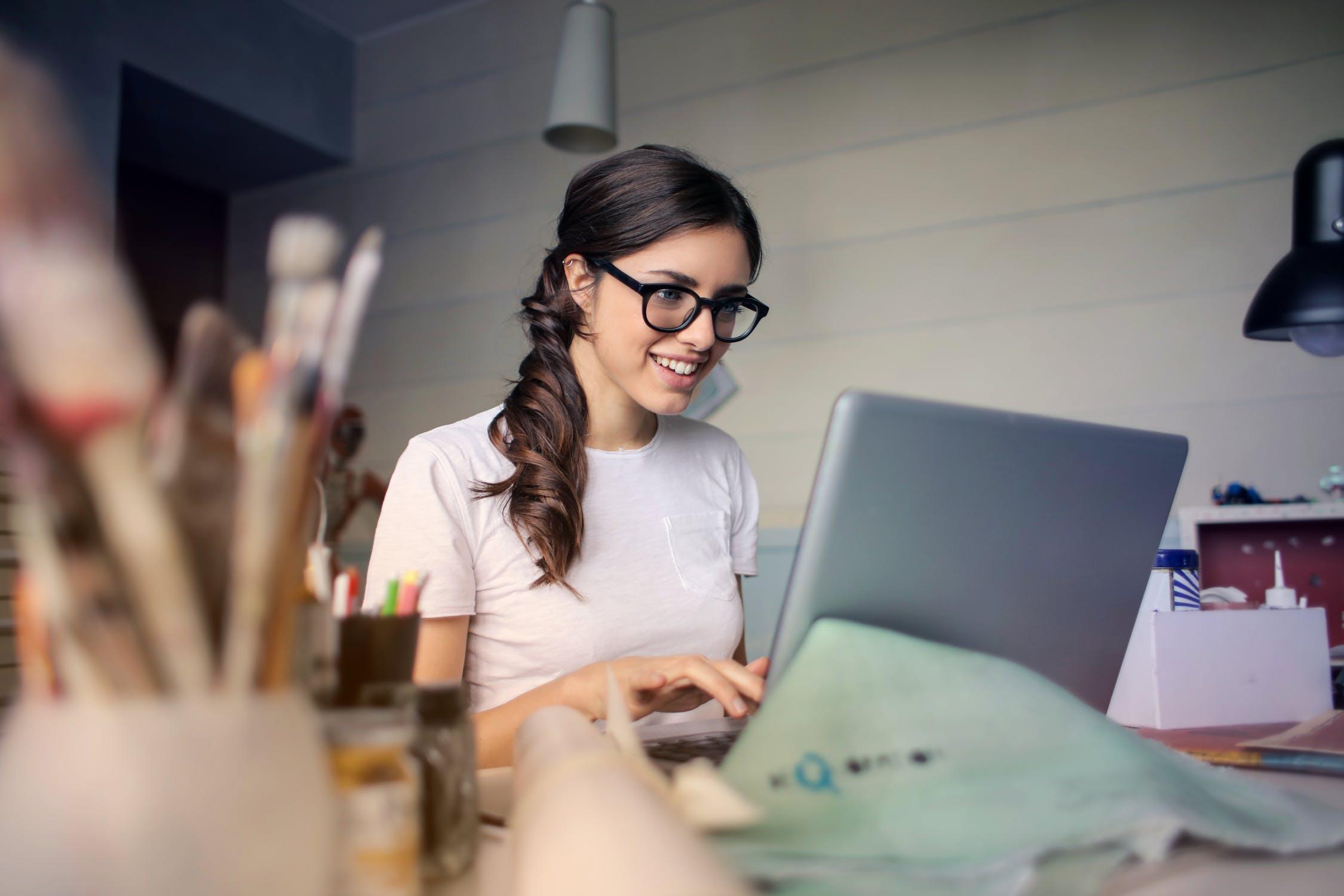9 Rekomendasi Bisnis Modal Kecil Untung Besar untuk Pelajar