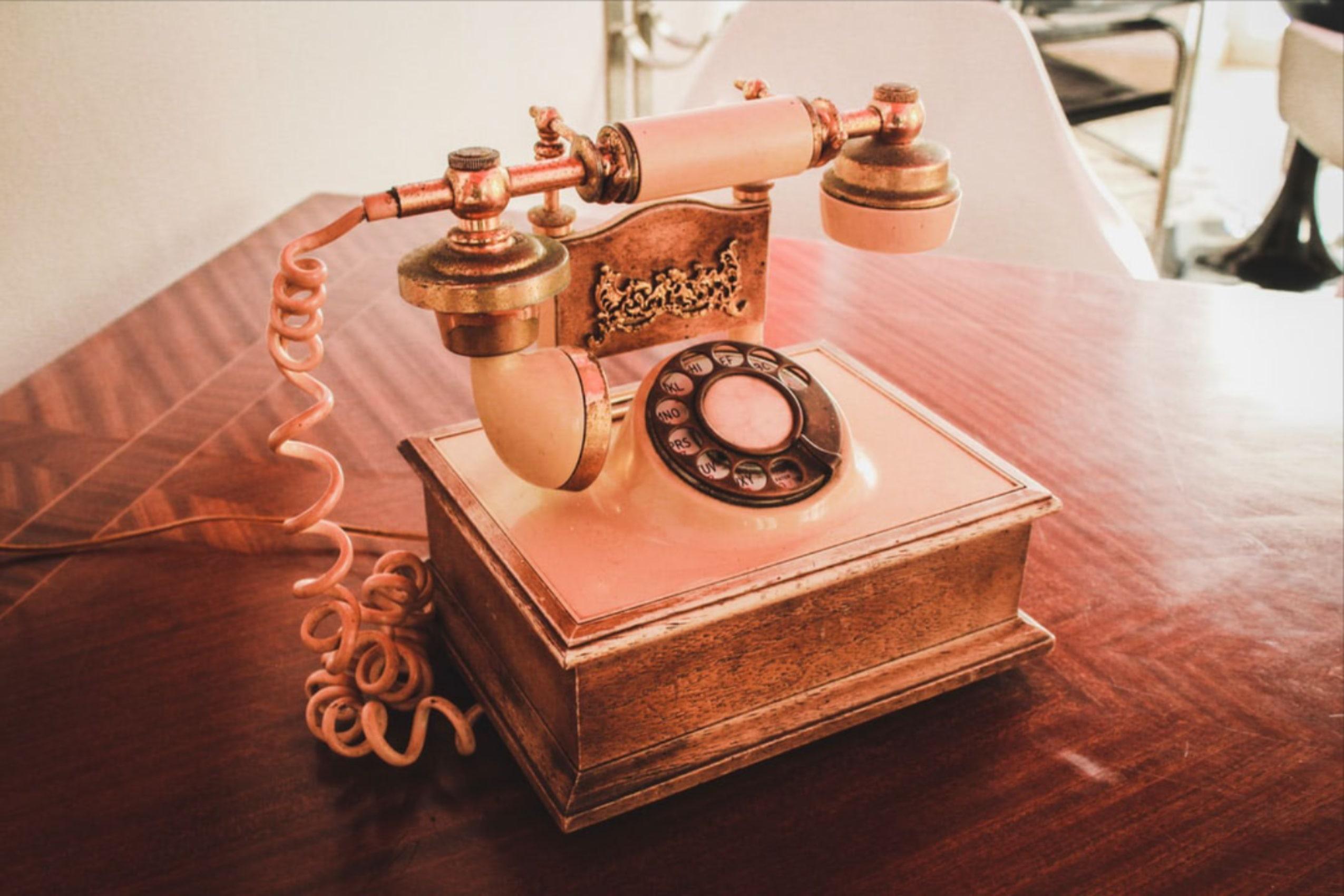 Miliki Saham TLKM dan Emiten Telekomunikasi Lainnya