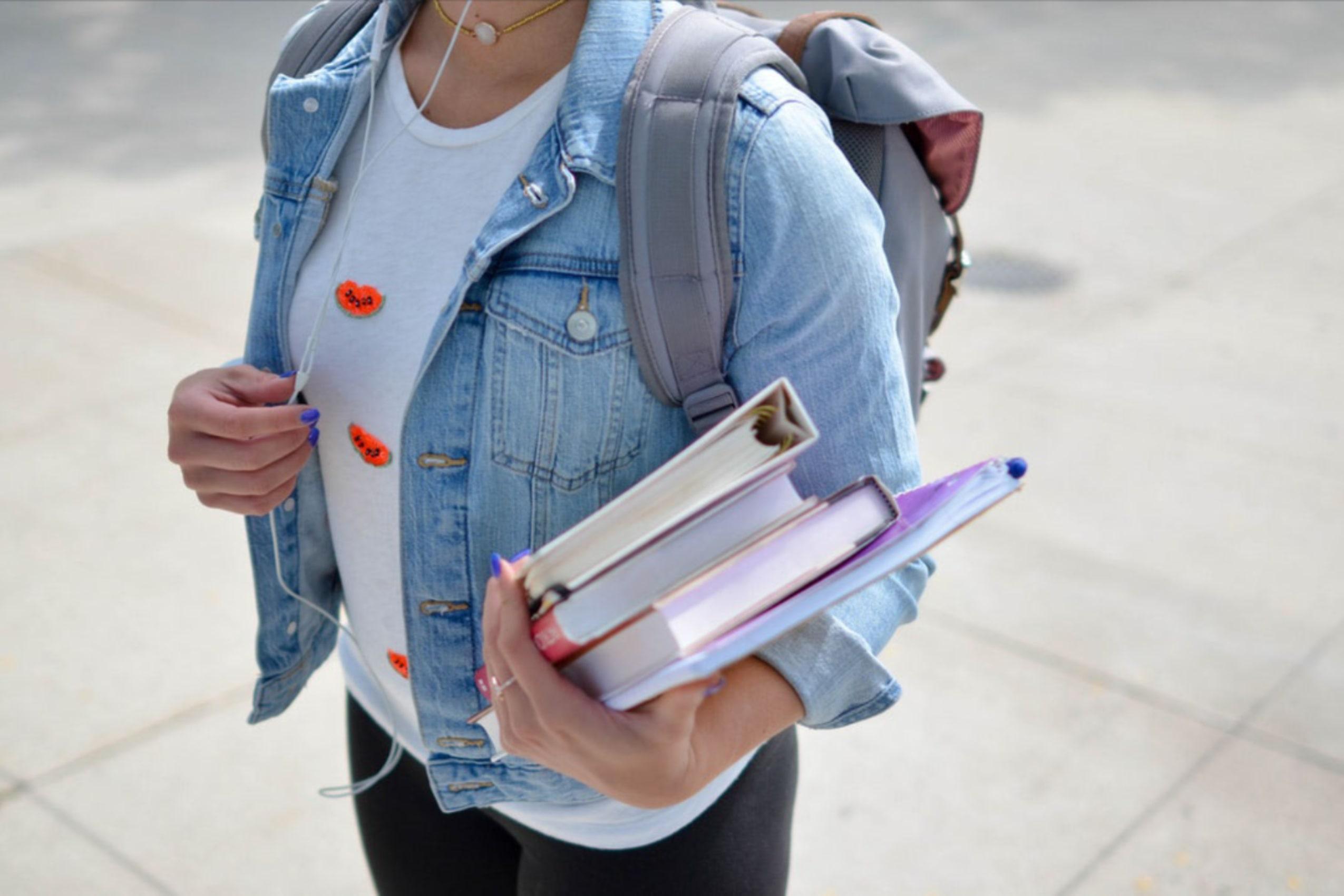 5 Ide Pekerjaan Mahasiswa Terbaik untuk Kamu