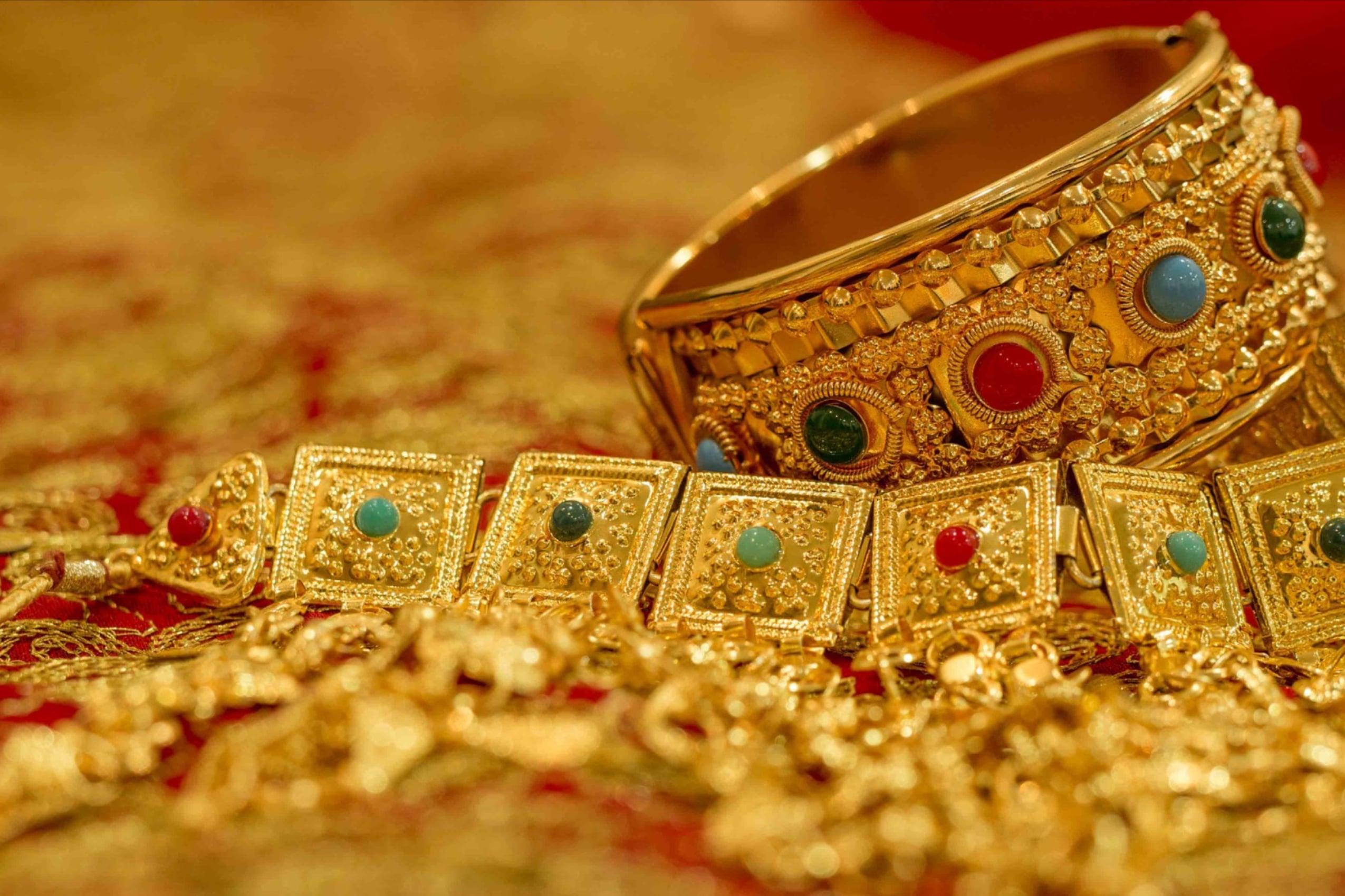 3 Keuntungan Menabung Emas bagi Milenial