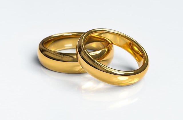 Harga Cincin Emas Sesuai Karat untuk Perhiasan