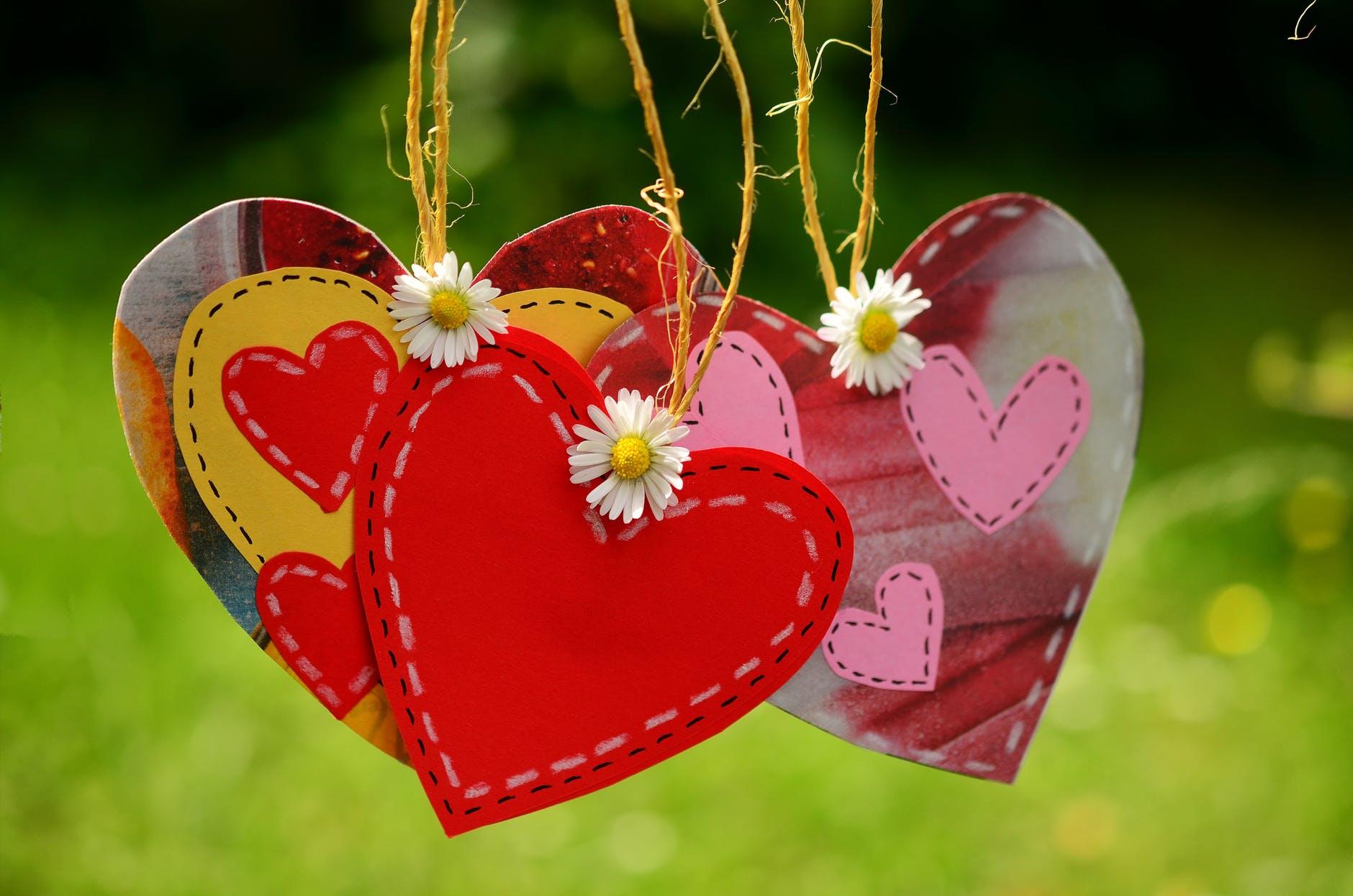 Buktikan dengan Investasi, Bukan Hanya Caption Tentang Cinta