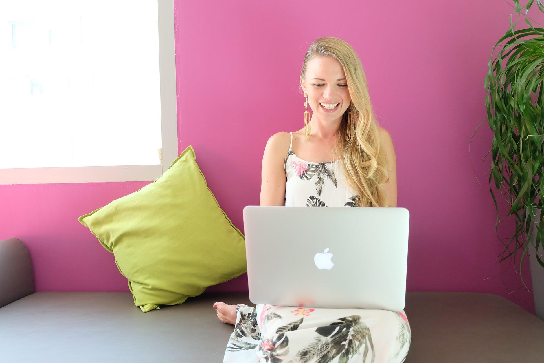 4 Peluang Bisnis Online Modal Kecil yang Menjanjikan Untung Besar