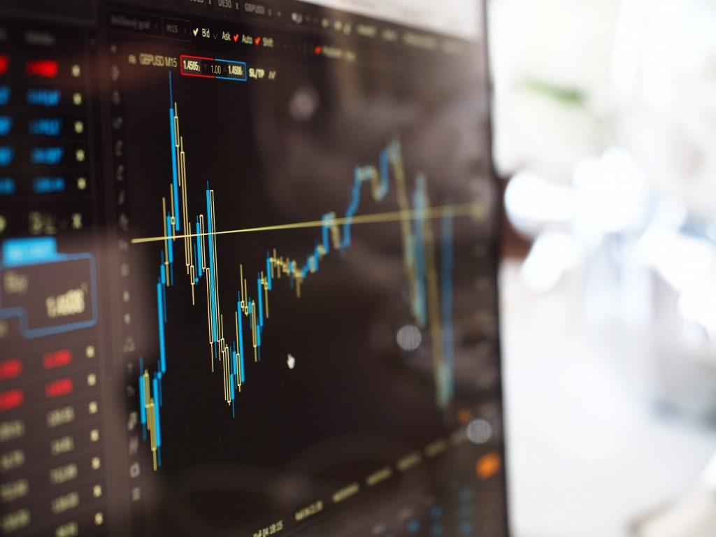 Perbedaan Investasi Saham & Trading Saham