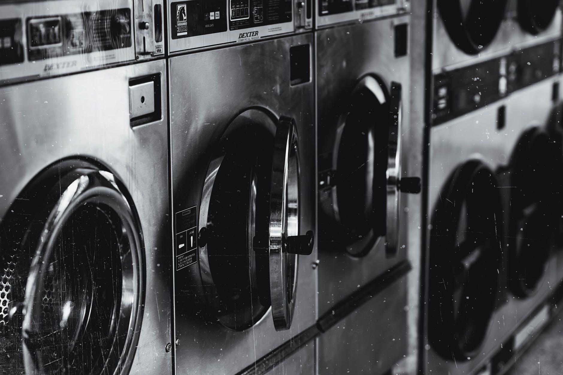 Harga Mesin Cuci Polytron  2 Tabung yang Jadi Unggulan