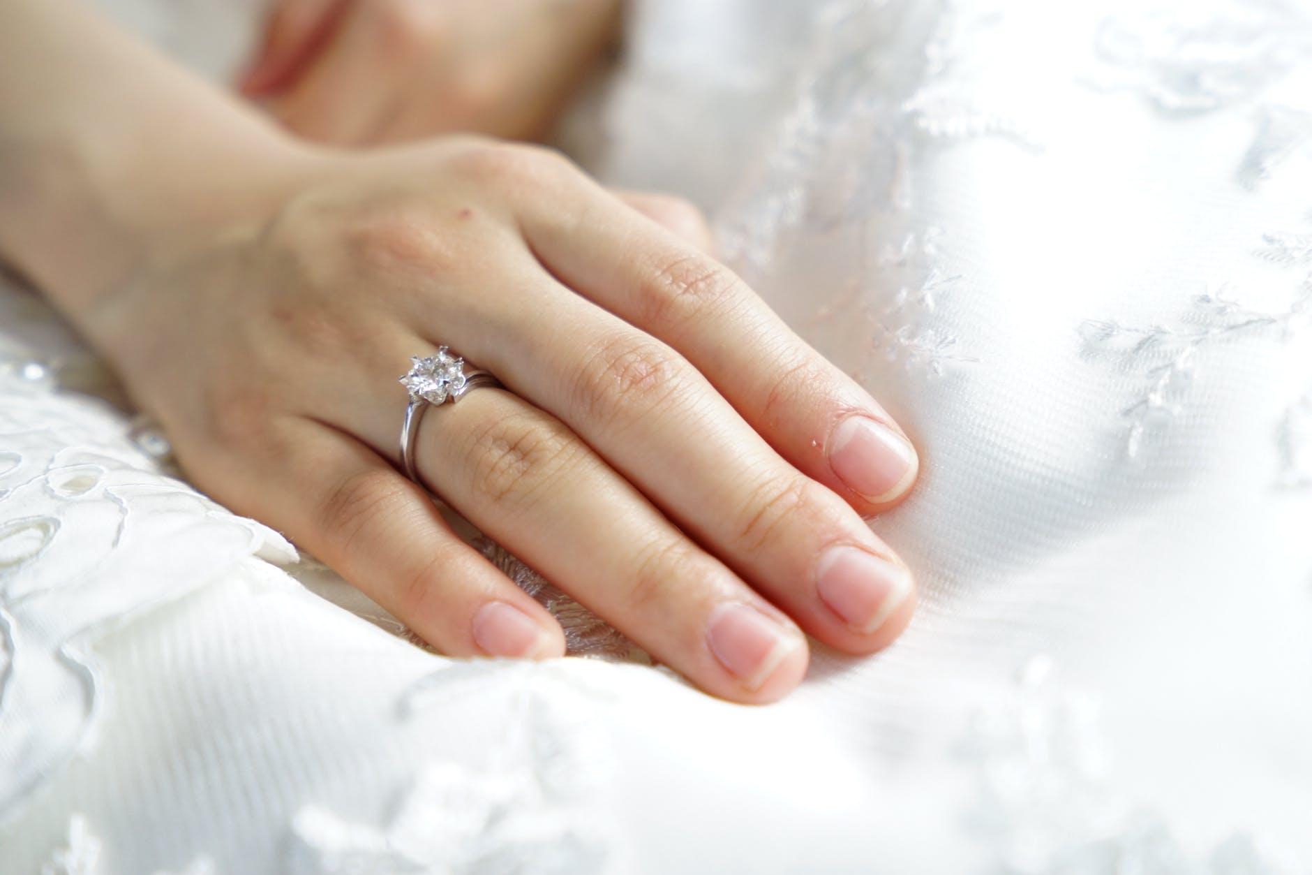 Moissanite, Alternatif Cincin Nikah untuk Hemat Biaya Pernikahan