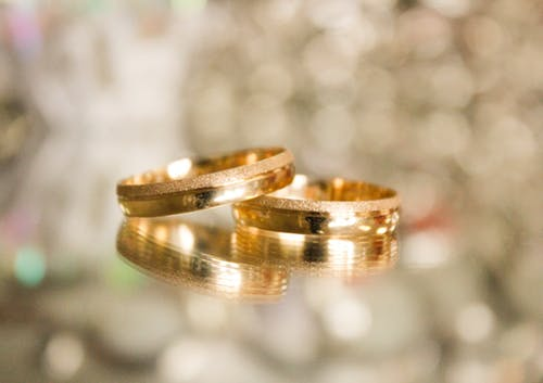 Mengenal Kadar Kemurnian Emas Tua dan Emas Muda