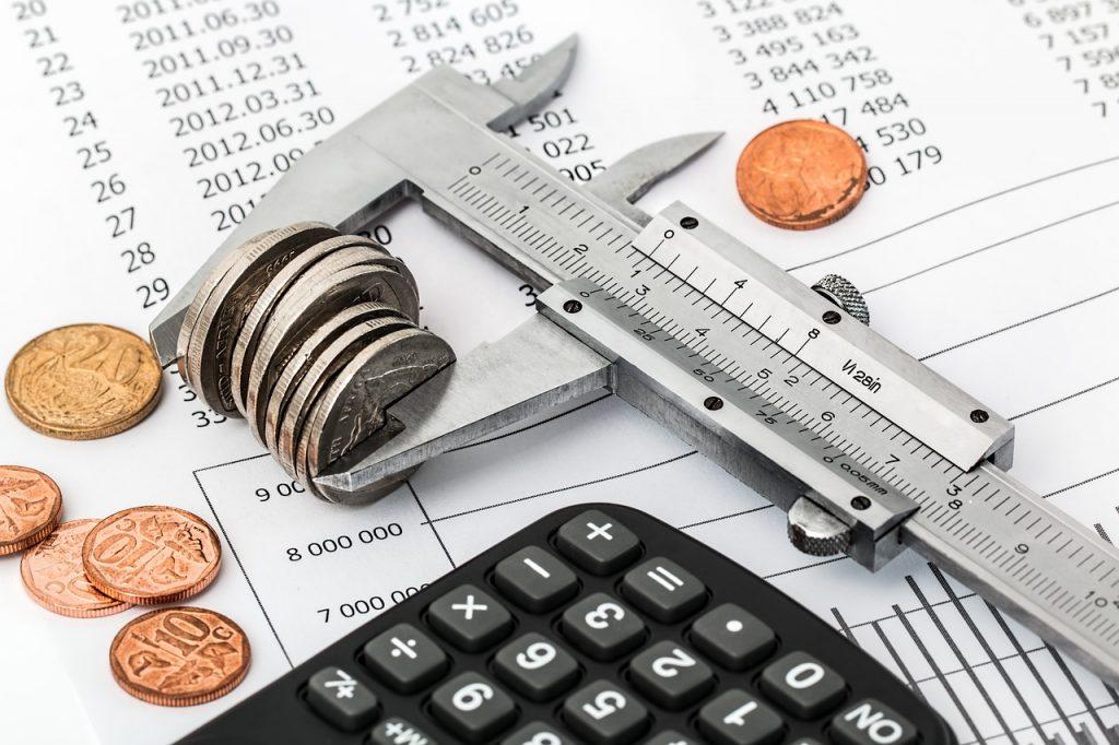 Diskonto adalah selisih nilai nominal obligasi dengan present value-nya saat akan dilakukan penjualan. Pahami cara menghitung diskonto di sini.