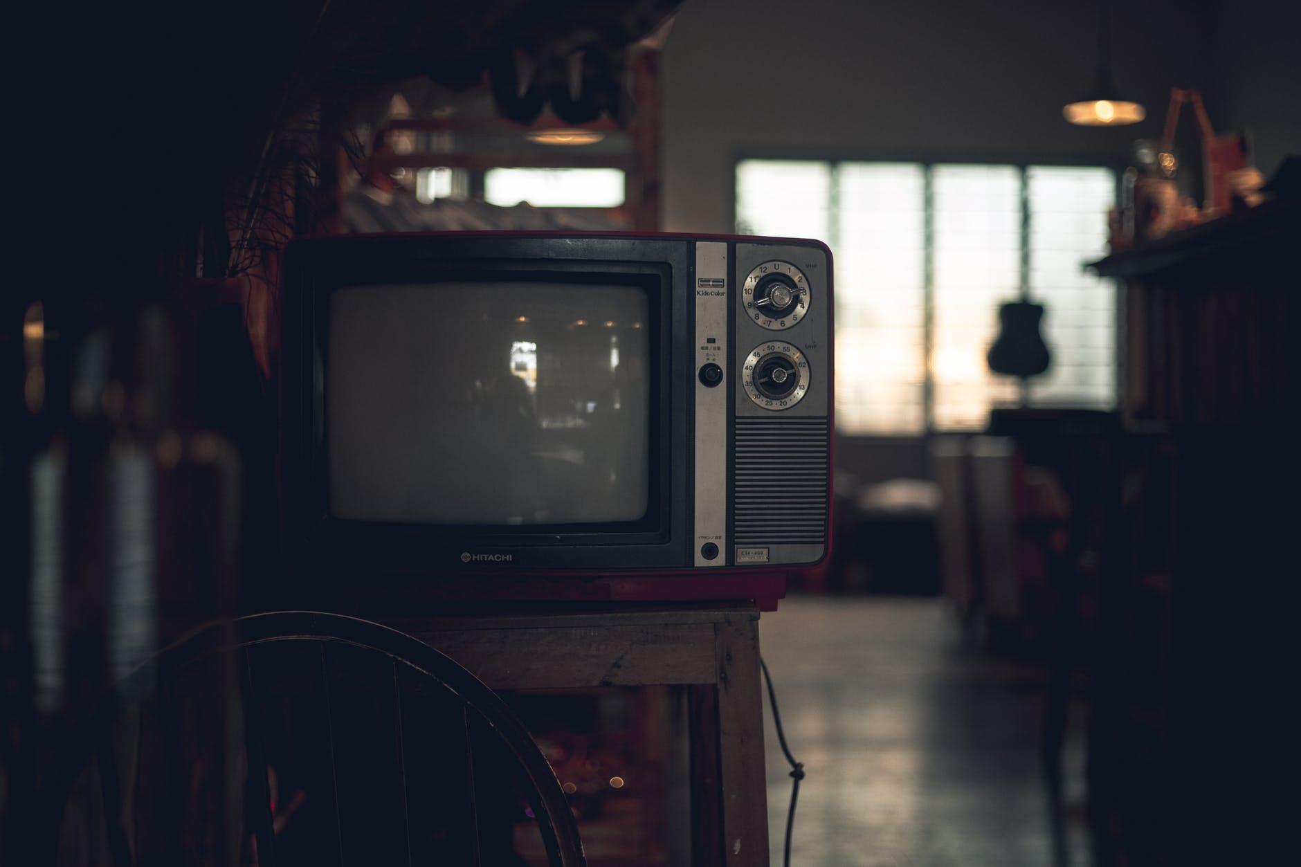 Cek Fakta, Benarkah TV Tabung Murah Boros Listrik?