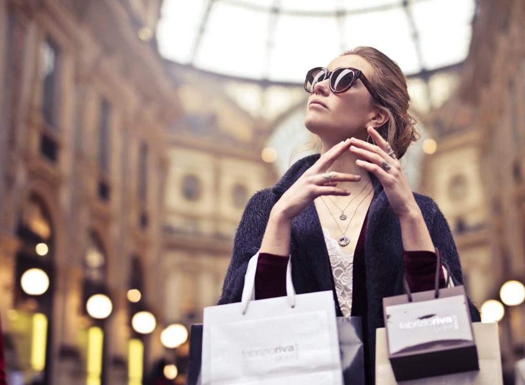 5 Tips Jitu Untuk Memulai Bisnis Baju Online - Ajaib