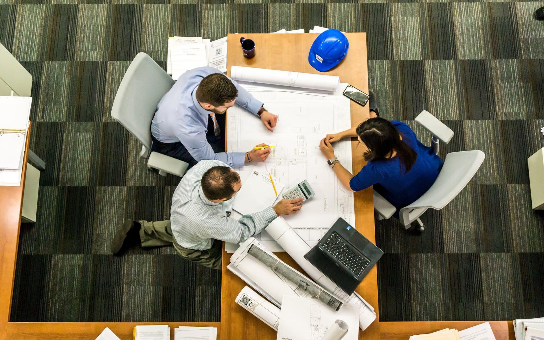 Kenali Dasar Hukum Bisnis Sebelum Memulai Usaha
