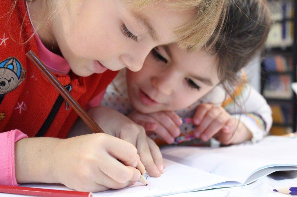 5 Alasan Pentingnya Pendidikan Literasi Keuangan Sedari Kecil