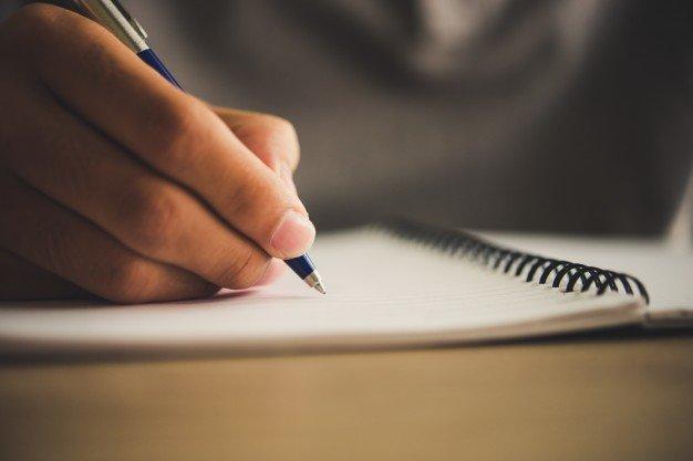 Cara Membuat Lamaran Kerja Dan CV Profesional
