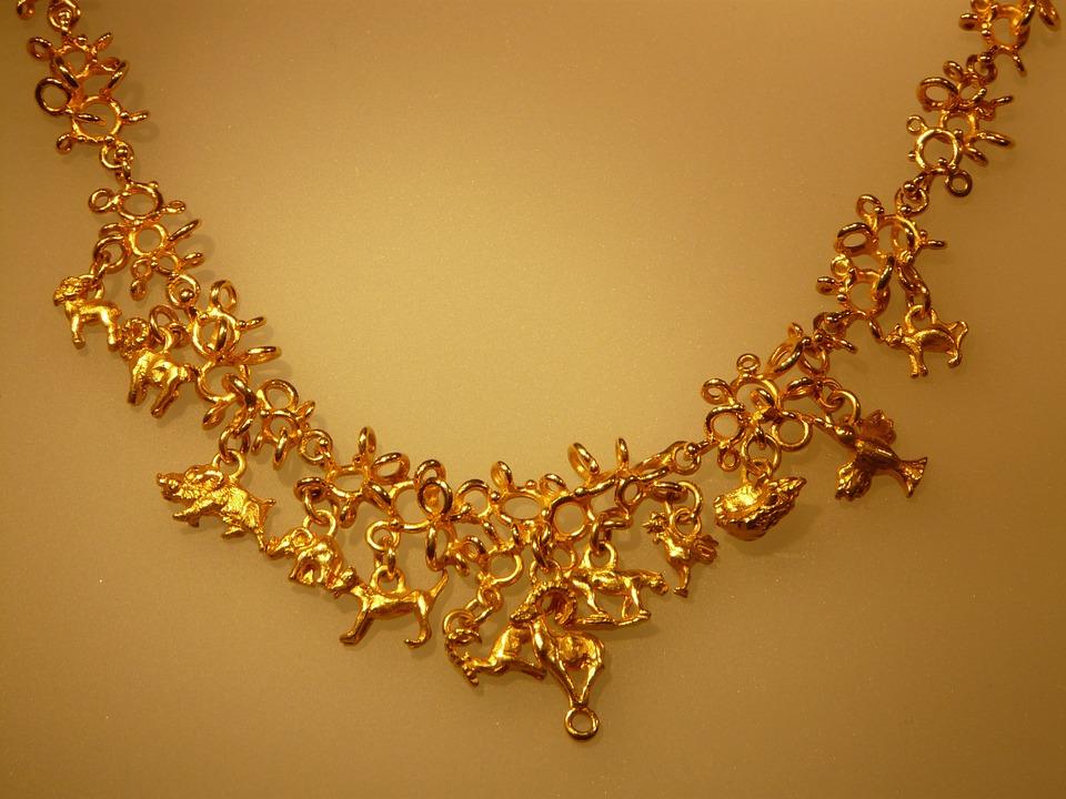 4 Model Kalung Emas Terbaru untuk Generasi Milenial