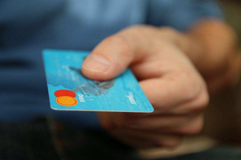 Keuntungan Akses Kartu Kredit Online bagi Milenial