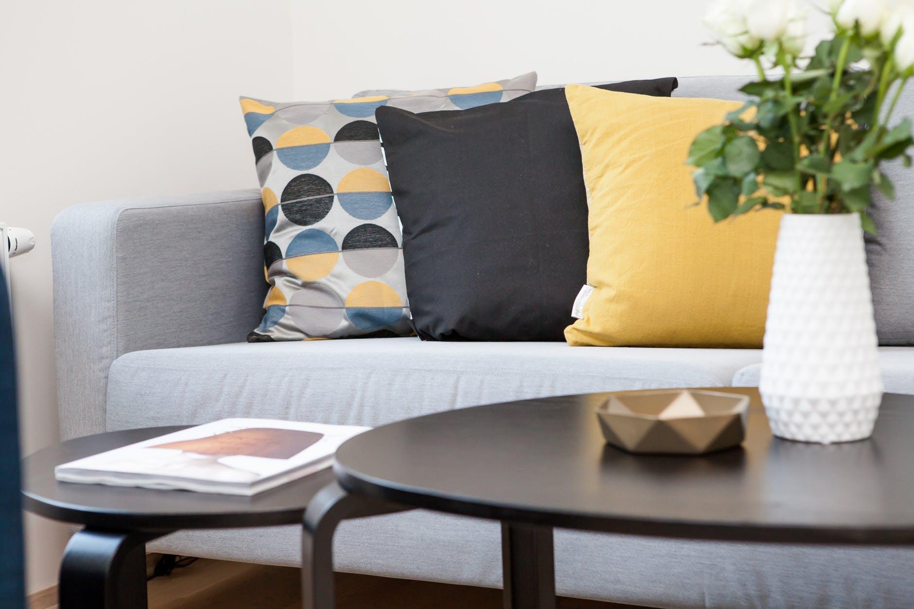 Model Sofa Minimalis untuk Ruang Tamu Kecil Terbaik
