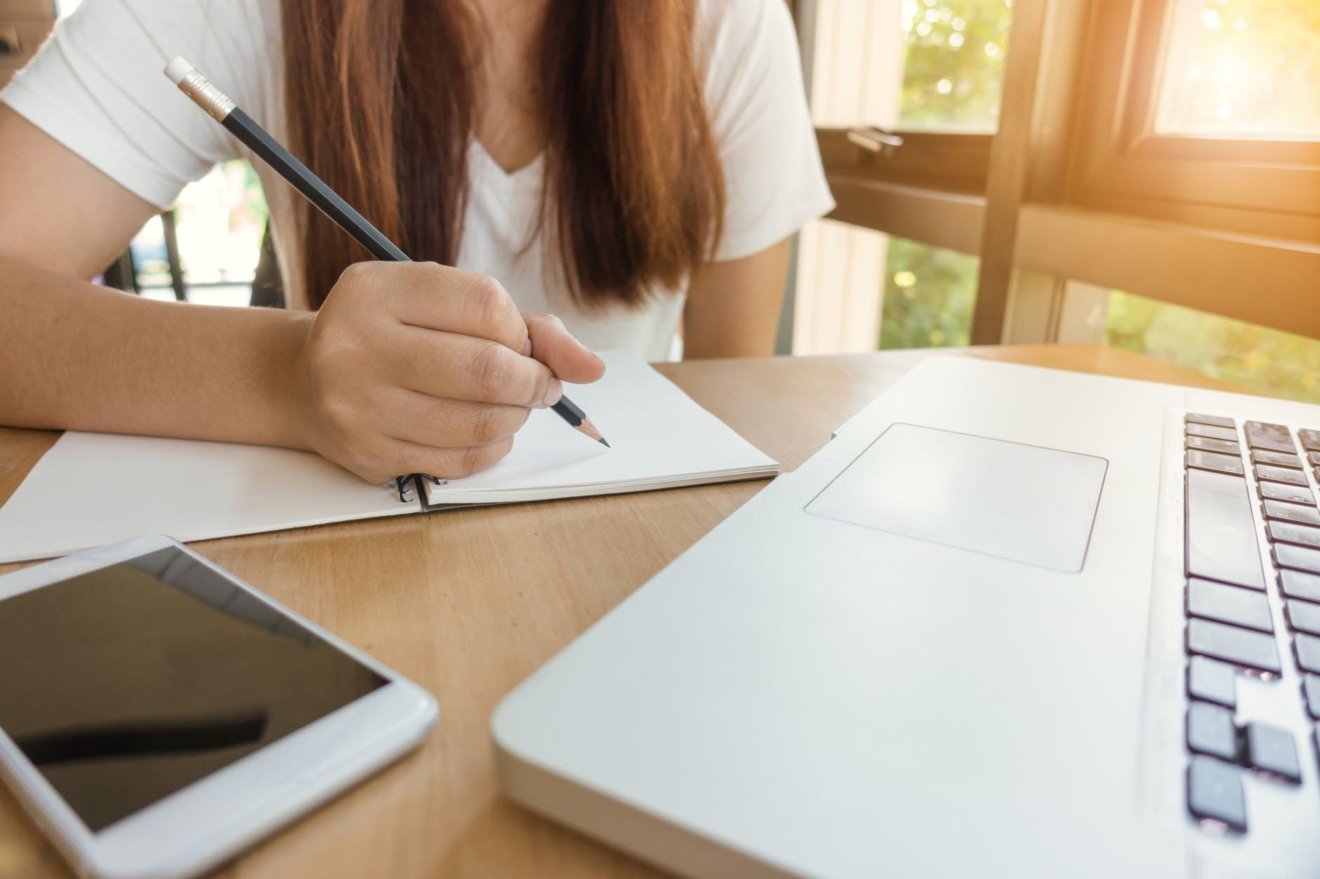 5 Kelebihan Situs Sederet yang Bisa Kamu Dapatkan