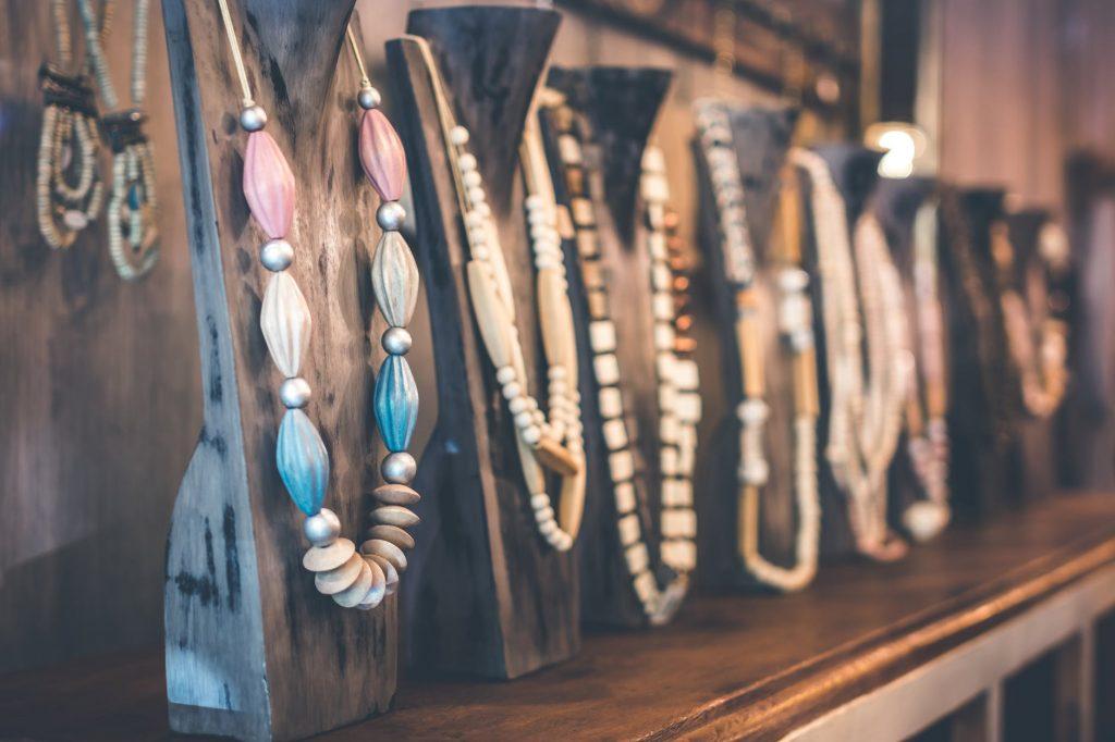 6 Model Kalung Emas Terbaru dan Terpopuler untuk Milenial