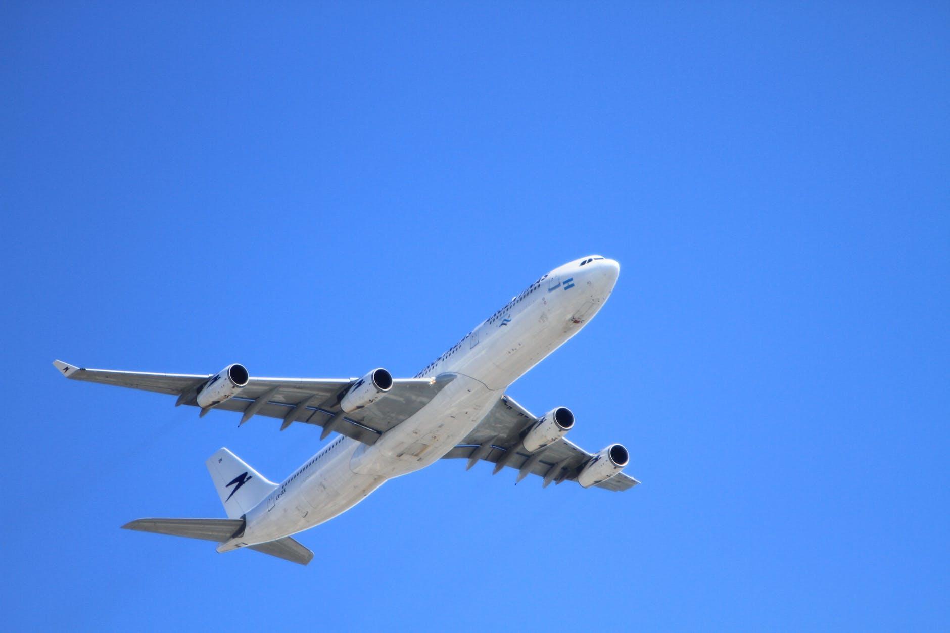 8 Cara Mendapatkan Tiket Pesawat Promo dengan Harga Murah