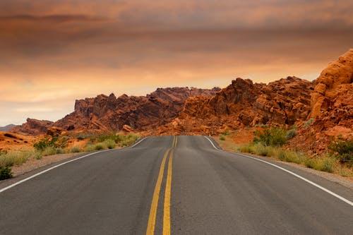 Proyek Jalan Tol Lancar, Inilah Prospek Saham Jasa Marga