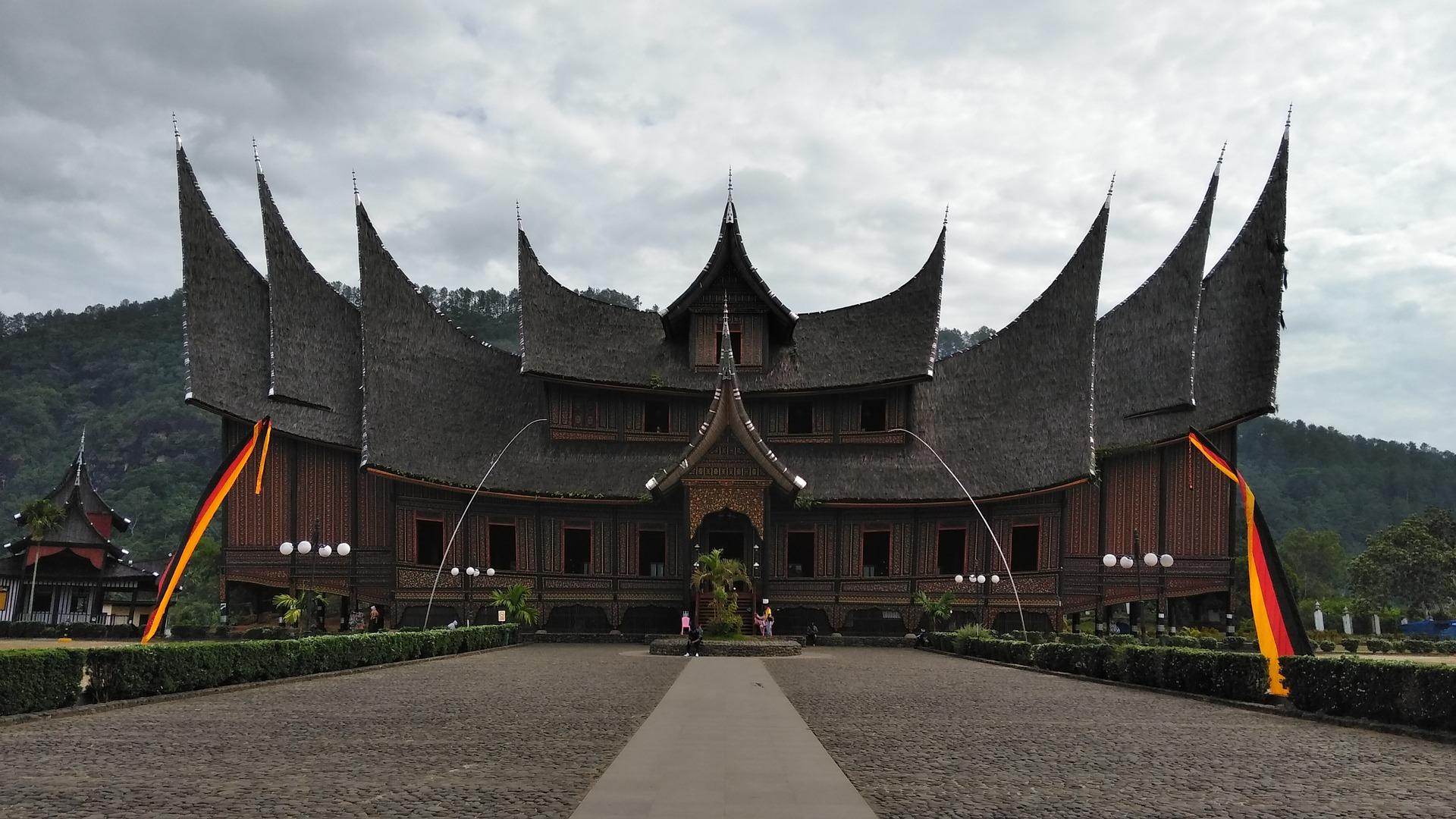 5 Rumah Adat di Indonesia Paling Historikal