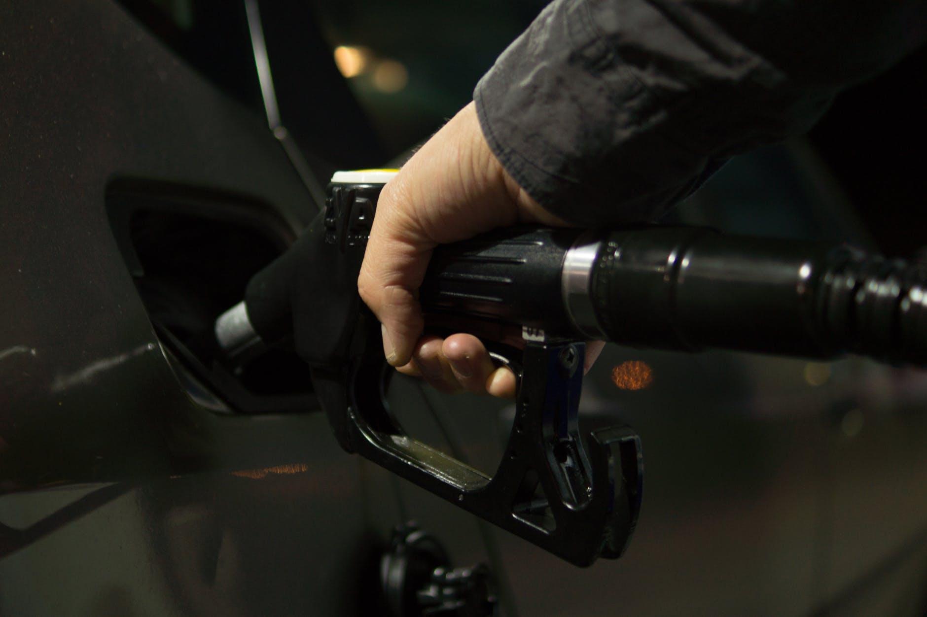 usaha bensin premium eceran
