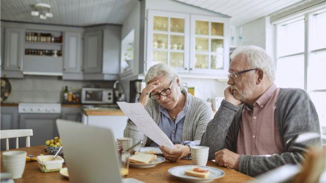 3 Alasan Sulit Pensiun Tepat Waktu & Solusi Mengatasinya