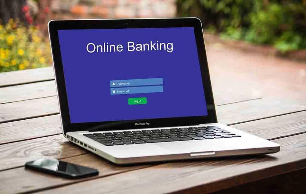 Digital Banking atau Bank Konvensional, Mana Lebih Untung?
