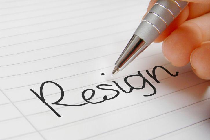 Alasan Resign Kerja & Contoh Surat Pengunduran Diri yang Baik