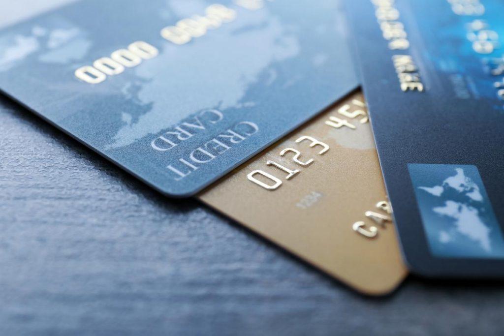 Apa Itu Kartu Kredit: Keuntungan dan Fiturnya