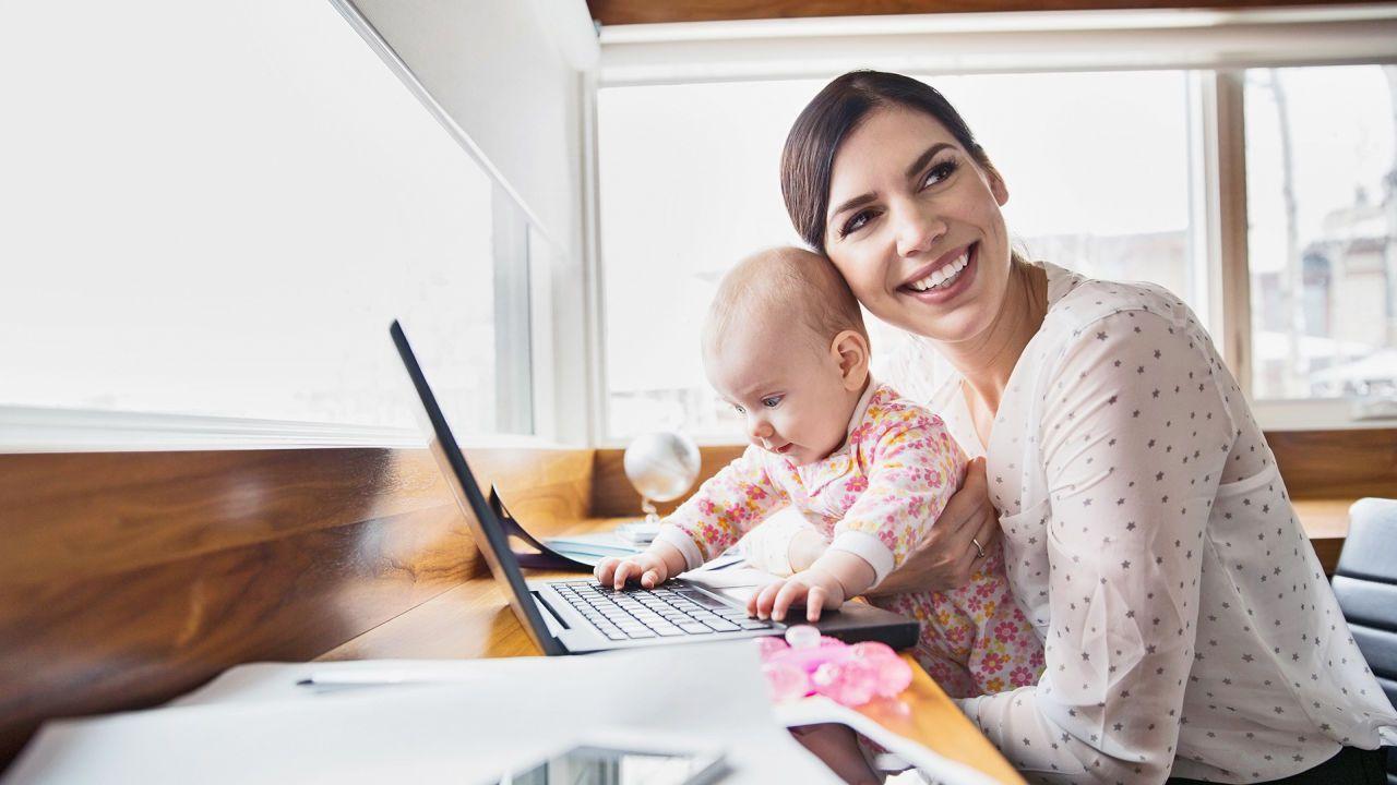 Ibu Butuh Uang Sambil Urus Anak? Ini Cara Mendapatkannya