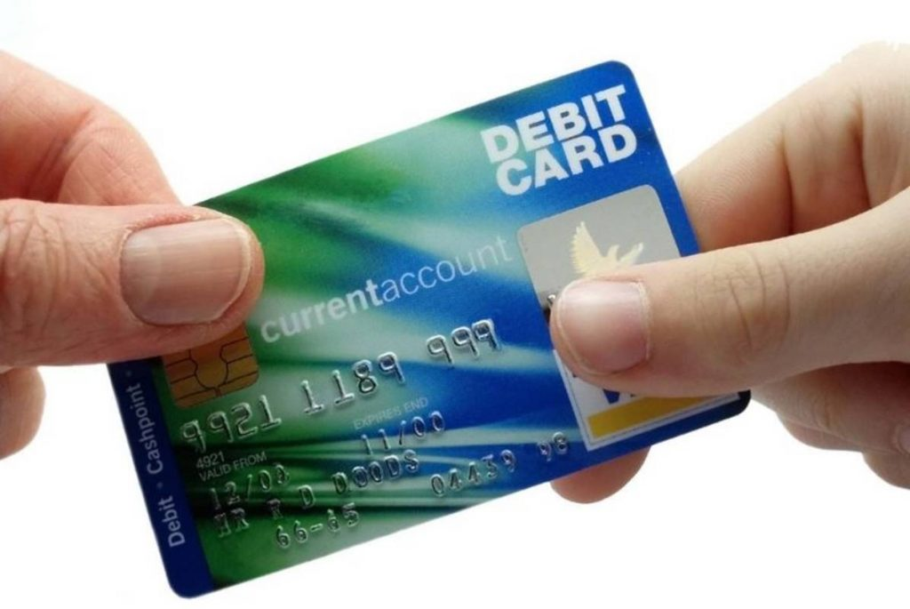 kekurangan kartu debit
