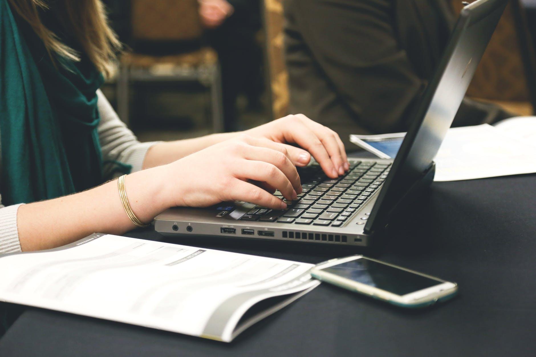 Tips Menjadi Penulis dan Contoh Artikel yang Baik