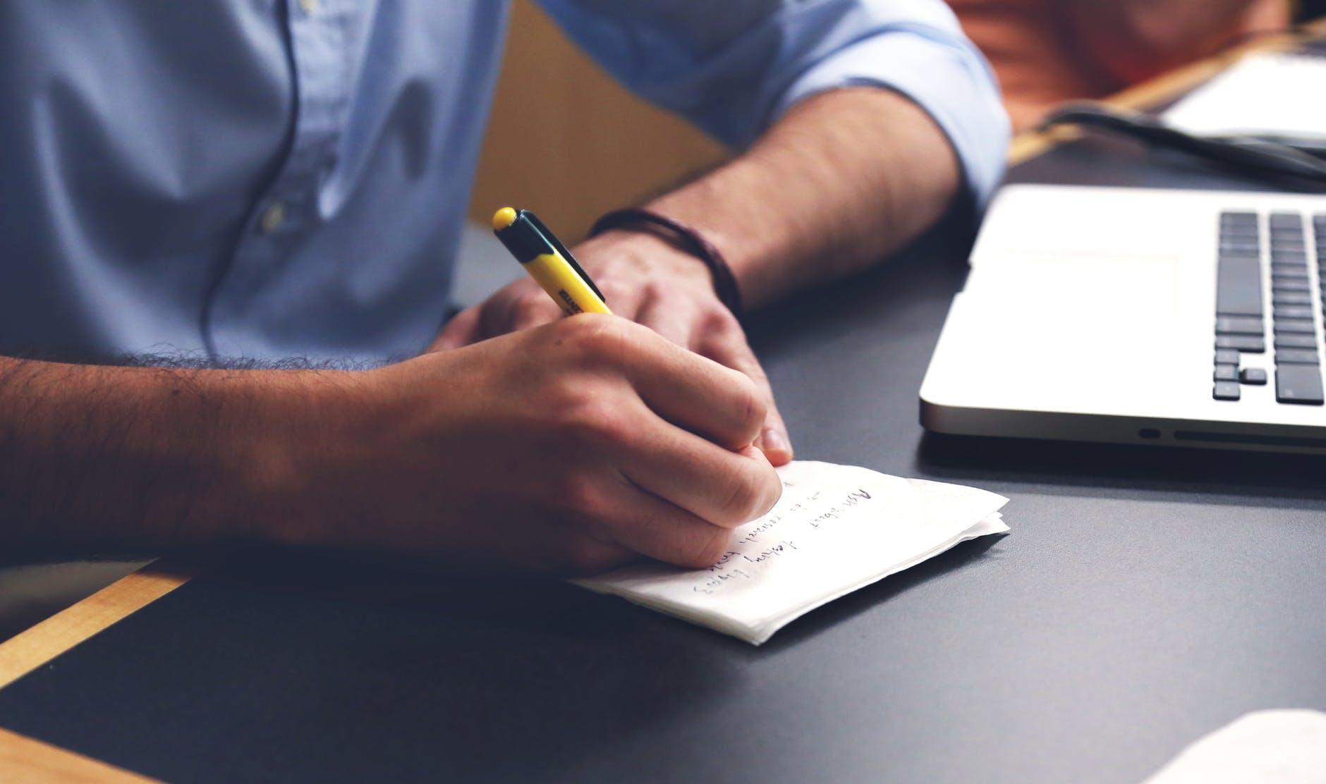 Contoh Surat Keterangan Kerja, Penting untuk Berbagai Urusan