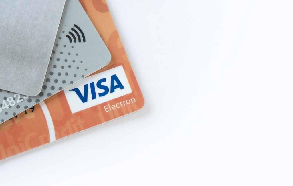 Mana Lebih Menguntungkan Kartu Debit atau Kartu Kredit?