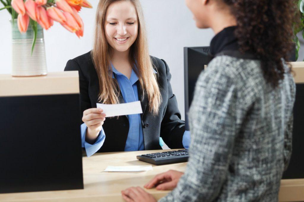 kelebihan bekerja di bank