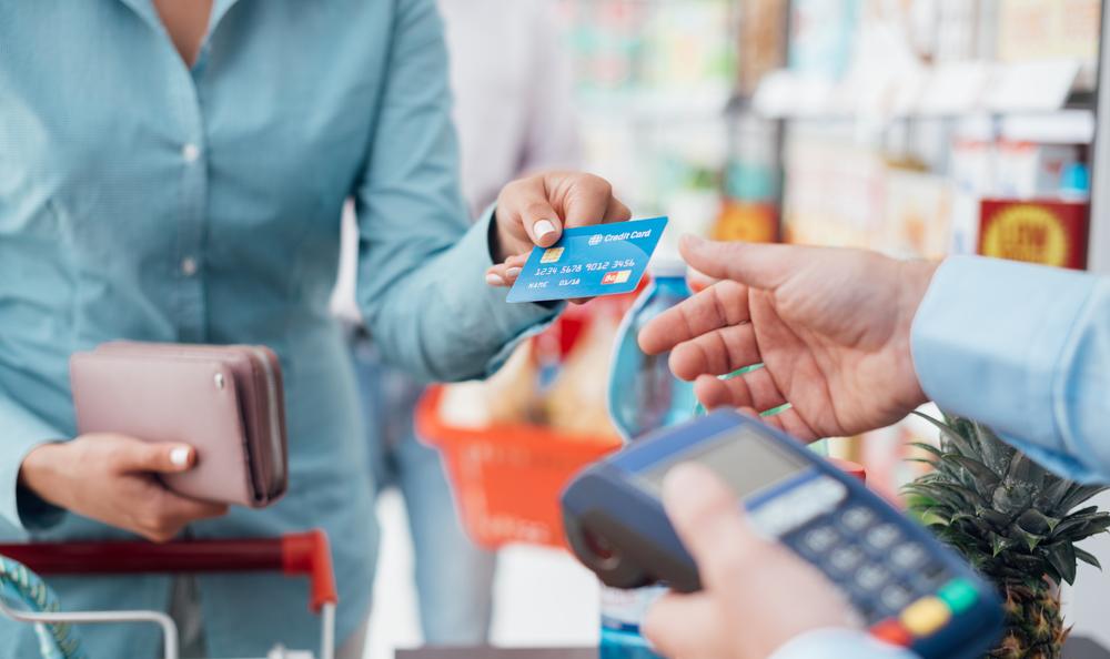 Mengendalikan pemakaian kartu kredit