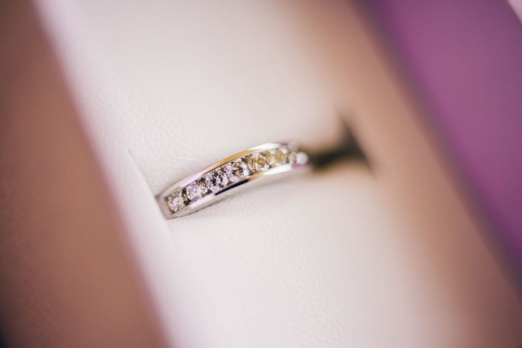 Cincin Emas Wanita Jadi Perhiasan Tertepat untuk Investasi