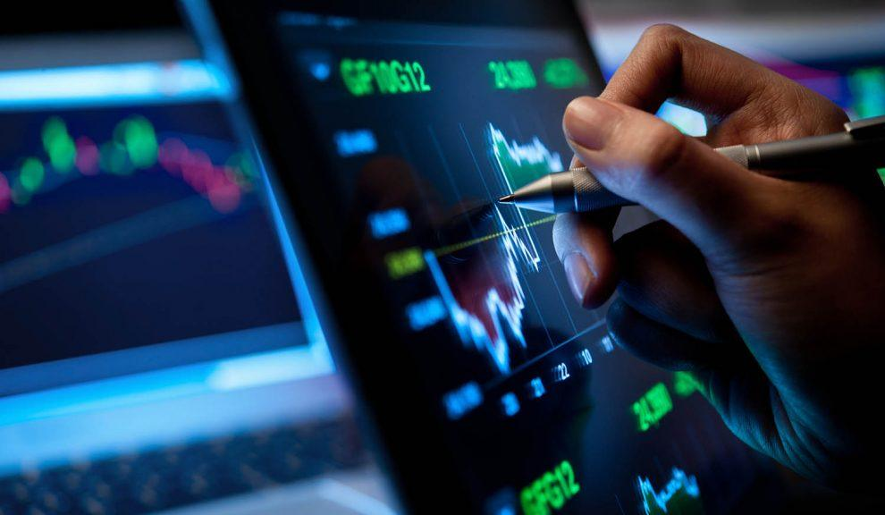 Investasi Saham 2020: Tambah Modal atau Diversifikasi?