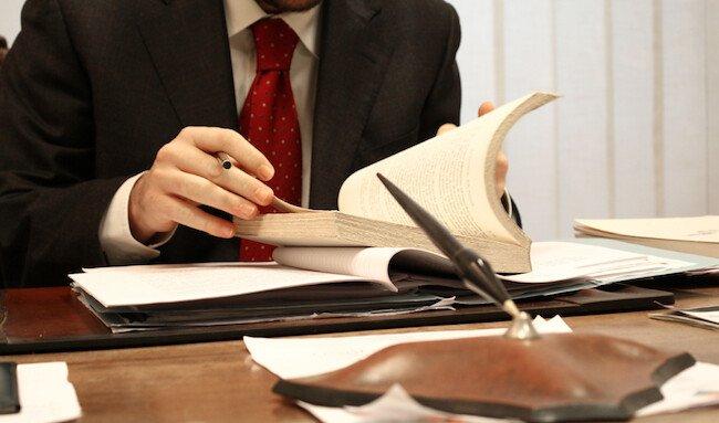pengacara hukum bisnis