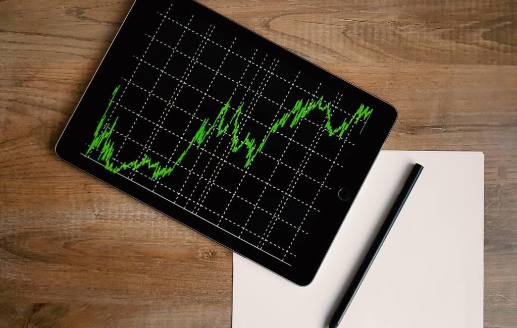 Ingin Sukses Investasi? Ini Cara Memprediksi Grafik Saham