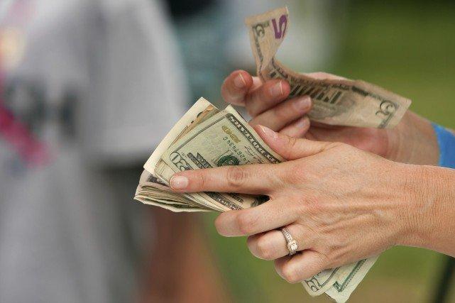 Cara Dapat Uang Banyak yang Legal Tanpa Bekerja