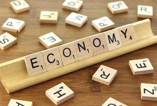 Membedakan Ekonomi Mikro dan Makro Berdasarkan Ruang Lingkup