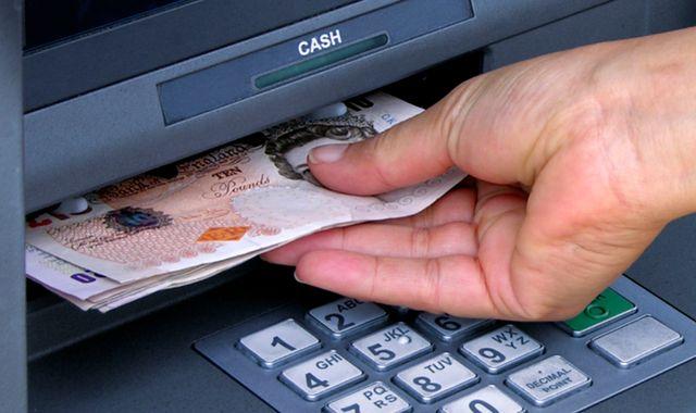 Kode Transfer Bank di Indonesia dan Paypal, Yuk Dicatat!