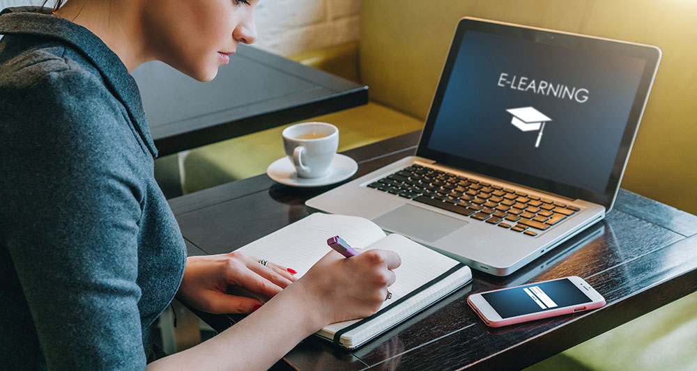 Catat! Ini Kelebihan dan Kekurangan dari Kuliah Online