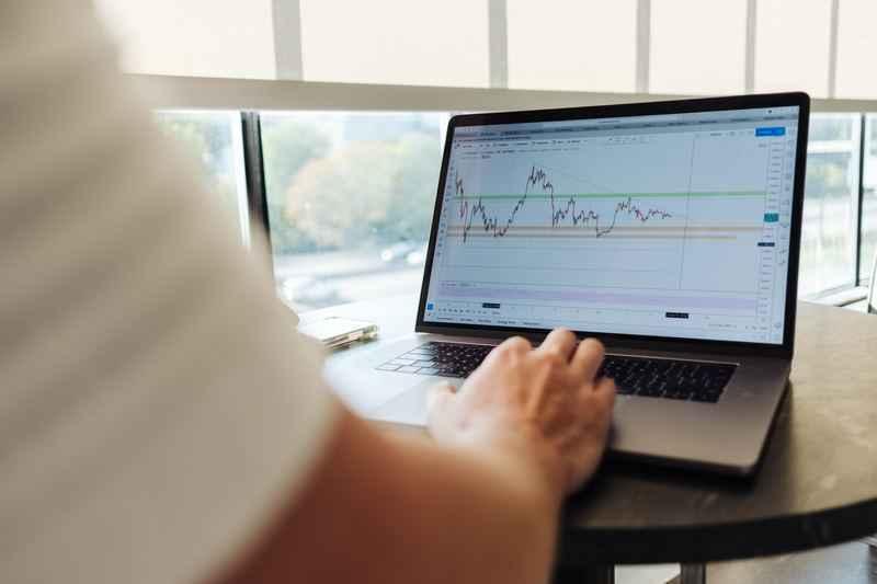 Latihan Investasi Saham bagi Pemula agar Jadi Trader Sukses