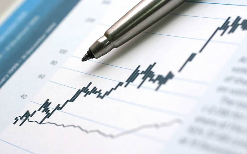 beda saham biasa dan saham preferen