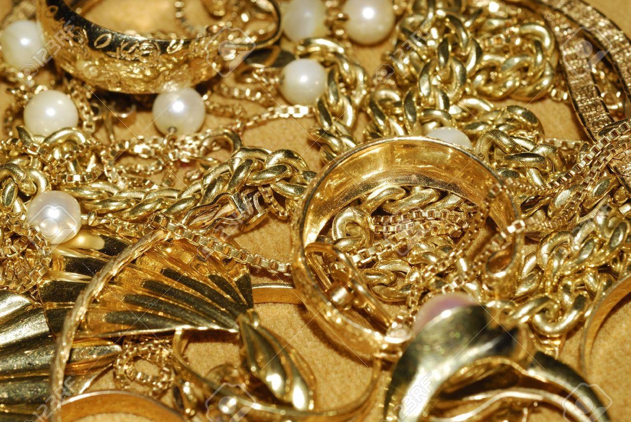Keuntungan yang Diperoleh Ketika Harga Perhiasan Emas Naik